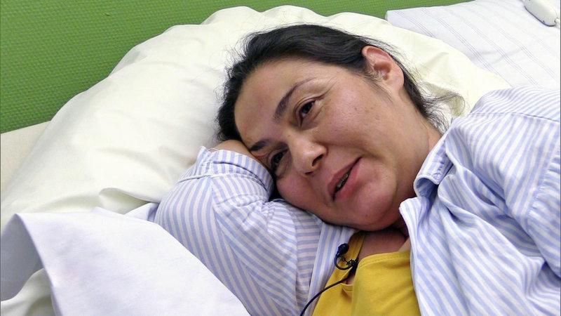 Die türkisch-stämmige Nergiz will heute ihr drittes Kind zur Welt bringen – auf natürlichem Weg. – Bild: RTL II