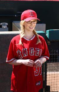Ist gespannt, wie sich Howard schlagen wird: Bernadette (Melissa Rauch) ... – © Warner Brothers Lizenzbild frei