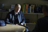 Raymond 'Red' Reddington (James Spader) – © RTL