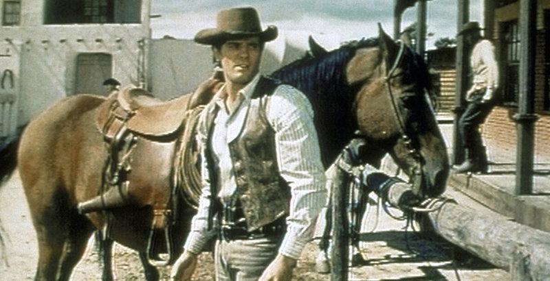 Nach dem Überfall einer Gangsterbande gerät Cowboy Brent Landers (Giuliano Gemma) zu Unrecht unter Verdacht und wird steckbrieflich als Viehdieb und Mörder verfolgt ... – Bild: 1970 Universal Pictures. All Rights Reserved. Lizenzbild frei