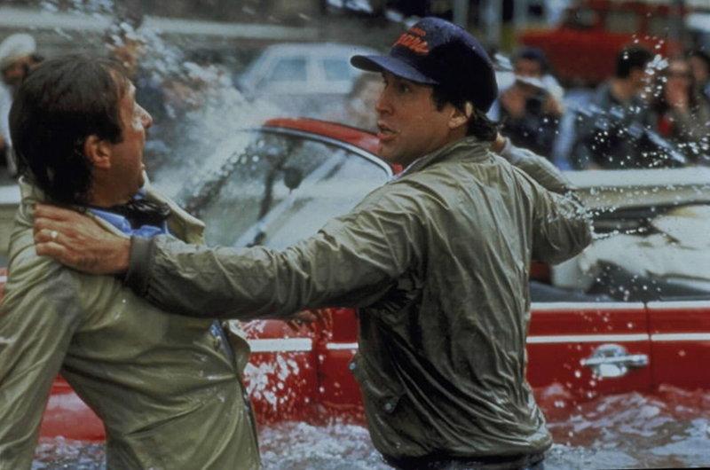 Clark (Chevy Chase, re.) verteidigt die Familienehre in Rom ... – Bild: BILDNAME:11100h.jpg, CopyR: ProSieben Media AG,