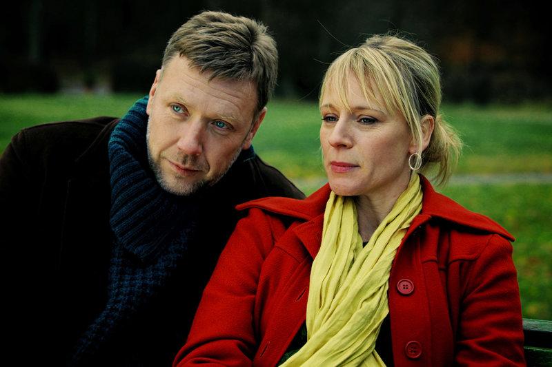 Anna (Iben Hjejle) und Johan (Mikael Persbrandt) – Bild: ARTE France / © Johan Paulin