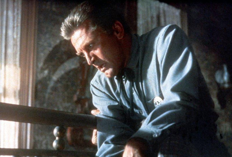 Als Marshal Matt Morgans (Kirk Douglas) Frau ermordet wird, schwört er blutige Rache. Doch der Mörder ist der Sohn eines seiner besten Freunde - und dieser ist nicht bereit, seinen missratenen Sprößling auszuliefern ... – Bild: TVNOW / TM