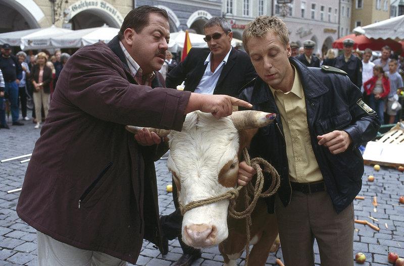 Nur die Kuh war Zeuge (Staffel 3, Folge 2) – Bild: ZDF und Christian A. Rieger