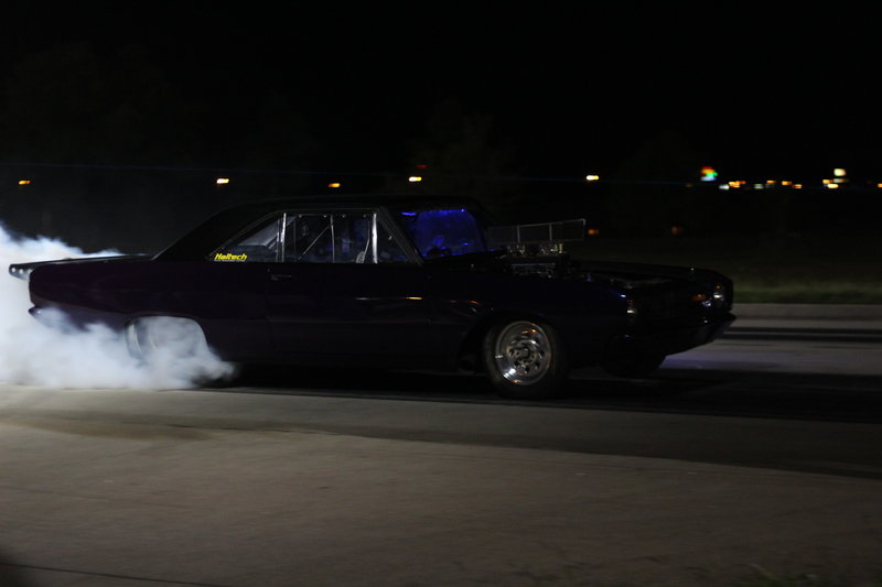 Dominator preparing his car to race Doc. – Bild: Discovery Channel / Discovery Communications