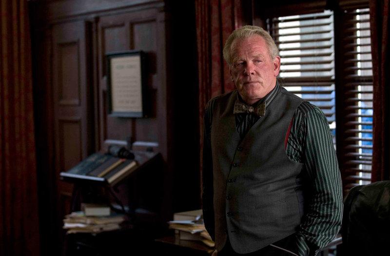 Der treue Assistent Bridges (Nick Nolte). – Bild: TOCM