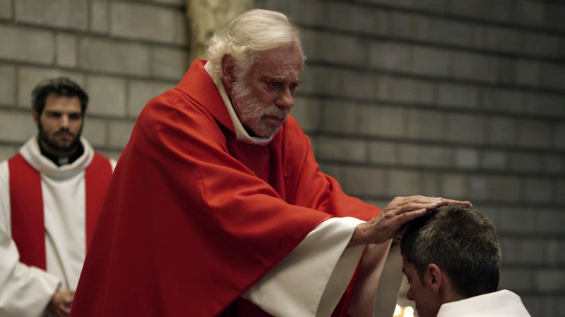 Guillaume (ClÈment Manuel), Pater Fromenger (Jean-Luc Bideau), Jose (Samuel Jouy (v.l.) – Bild: Bibel TV