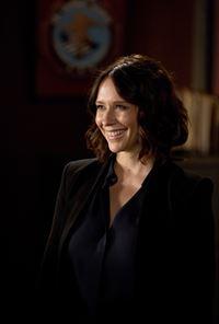 Das Team ermittelt in einem neuen Fall von Serienmord und wird dabei von der neuen Kollegin Agentin Kate Callahan (Jennifer Love Hewitt) unterstützt ... – © ABC Studios Lizenzbild frei