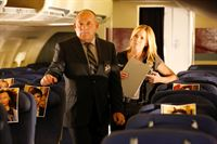 Paul Guilfoyle (Captain Jim Brass), Elisabeth Shue (Julie Finlay). – © ORF eins