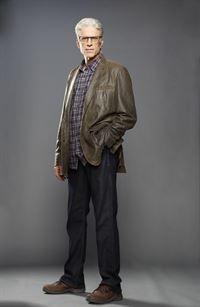 Ted Danson als D.B. Russel – © RTL