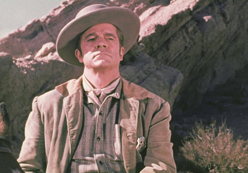Sheriff Johnny Reno (Dana Andrews) – Bild: 1965 by Paramount Pictures Corporation and A.C.Lyles Production, Inc Lizenzbild frei