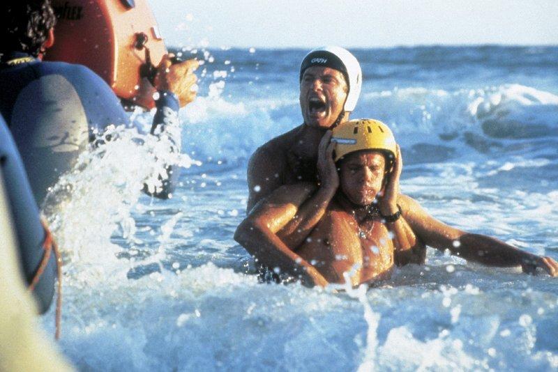 Mitch (David Hasselhoff, M.l.), Eric Turner (Daniel Quinn) – Bild: Nitro.