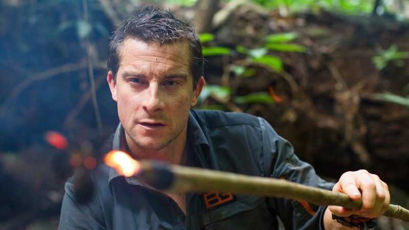 Bear Grylls cooks a tarantula spider as part of this meal in Rio Dulce, Guatemala. Tuesday, May 21, 2012. Grylls is in Guatemala as working on the production of ?Bear Grylls: Escape from Hell? for Discovery. Photo: Tito Herrera – Bild: Discovery Communications