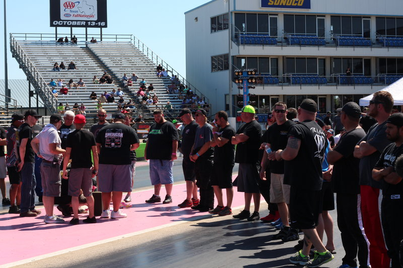 Racers line up for picks for the first round of races in the American Outlaws Live event. – Bild: Discovery Channel / Discovery Communications