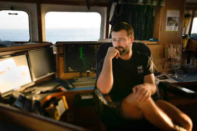 Captain Phillip Gaugler in the wheel house of the Will Watch. – Bild: Copyright: Discovery Communications, Inc. For Show Promotion Only