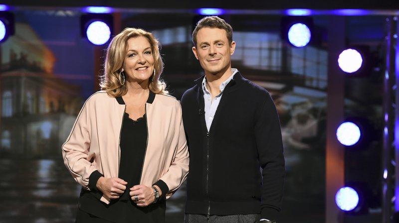 Bettina Tietjen und Alexander Bommes. – Bild: NDR / Uwe Ernst