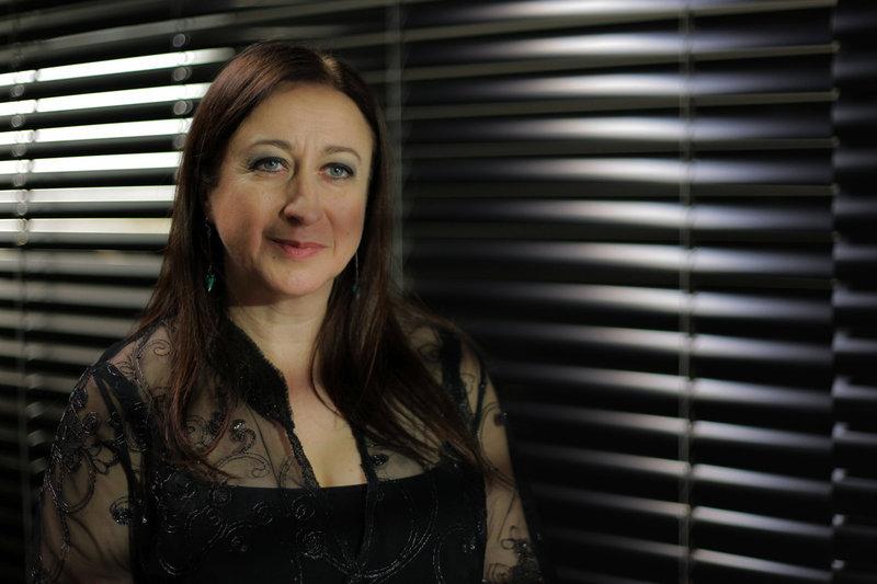 Die australische Dirigentin und Opernintendantin Simone Young spricht über die Willenskraft, die in den Werken Beethovens steckt. – Bild: WDR / © Falco Seliger