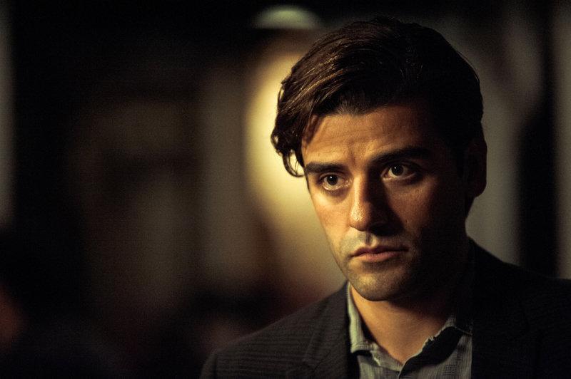 Der Amerikaner Rydal (Oscar Isaac) lebt in Athen und verdient sein Geld als Fremdenführer. – Bild: ZDF und Jack English