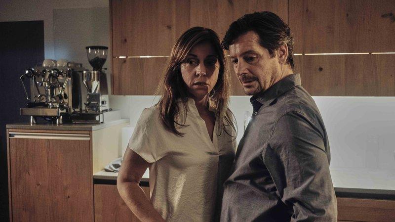 Barbara Simma (Ulrike C. Tscharre) und Thomas Meiberger (Fritz Karl) machen eine verstörrende Entdeckung. – Bild: ServusTV / Mona Film / Stephan Burchardt