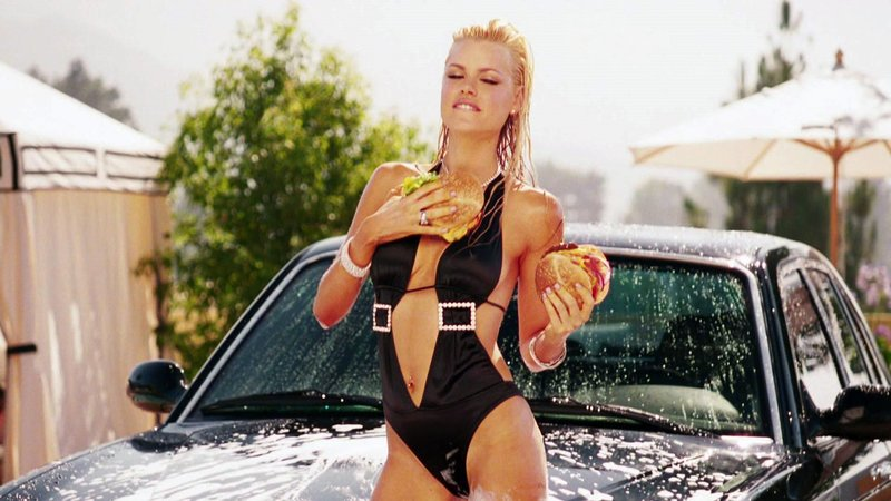 Grants Ex-Freundin Andy (Sophie Monk) geizt nicht mit ihre Reizen..Grants Ex-Freundin Andy (Sophie Monk) geizt nicht mit ihre Reizen.. – Bild: RTL II