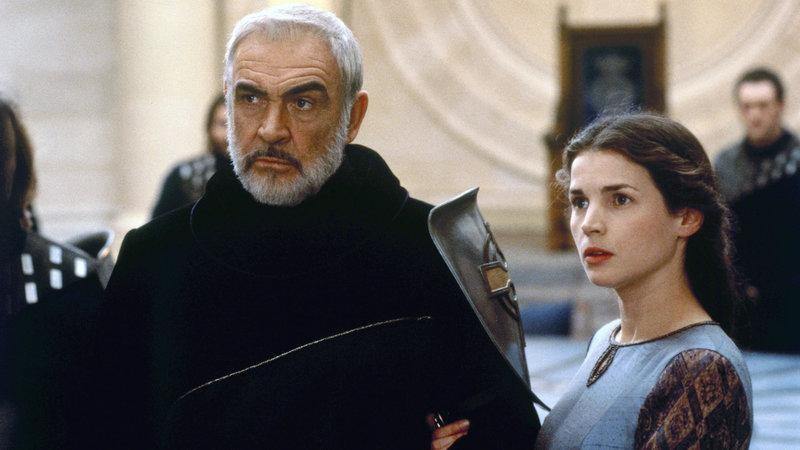 König Artus (Sean Connery) und Lady Ginvevra (Julia Ormond) – Bild: RTL Zwei