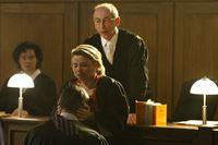 Ein fantastischer Traum: Danni (Annette Frier, M.) und Oliver (Jan Sosniok, vorne) .... – Bild: SAT.1 Eigenproduktionsbild frei
