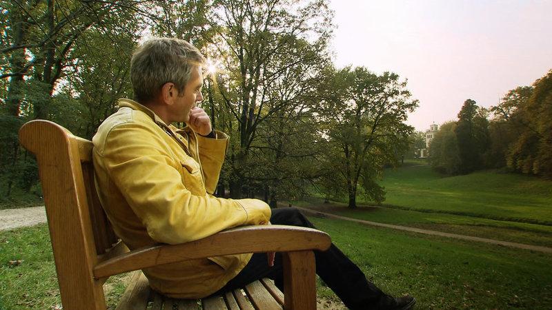 Zur Ruhe kommen - das ist auch für Wladimir Kaminer im Maksimir Park möglich. – Bild: arte