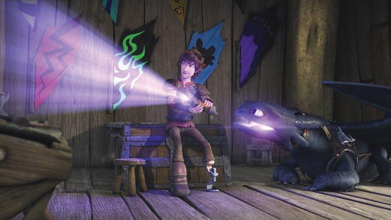Nachdem Hicks mit Hilfe des mysteriören Drachenauges herausgefunden hat, dass es noch Inseln jenseits des bekannten Inselreiches gibt, hält ihn nichts mehr. Er muss auf Entdeckungsreise gehen. Und seine Freunde begleiten ihn. – Bild: DreamWorks Animation