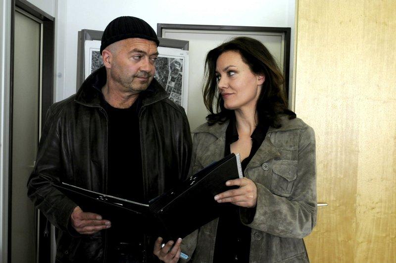 L-R:Otto Garber (Florian Martens) und Verena Berthold (Maja Maranow) – Bild: Die Verwendung ist nur bei reda / ZDF / © ZDF/Katrin Knoke