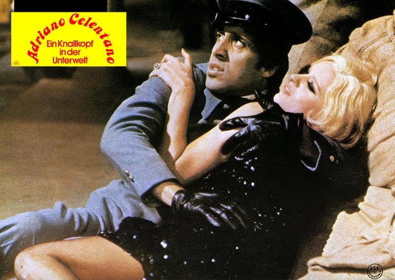 L'Emigrante, Der Kleine mit dem großen Tick, Regie PASQUALE FESTA CAMPANILE D I F 1973, Darsteller Adriano Celentano. – Bild: StarTV
