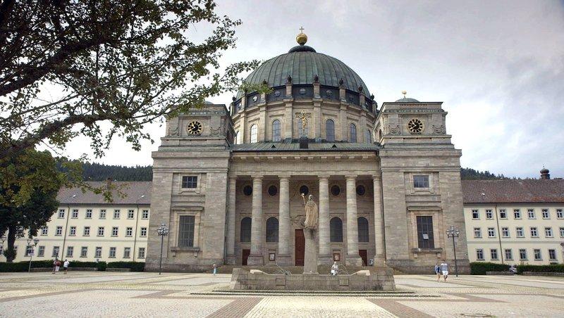 Kloster St. Blasien. Nach der Säkularisierung entstand hier eine der ersten Maschinenfabriken Deutschlands. – Bild: SWR/Roland Breitschuh