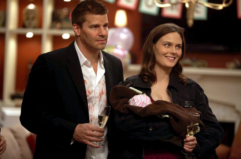 David Boreanaz, Emily Deschanel – Bild: W9