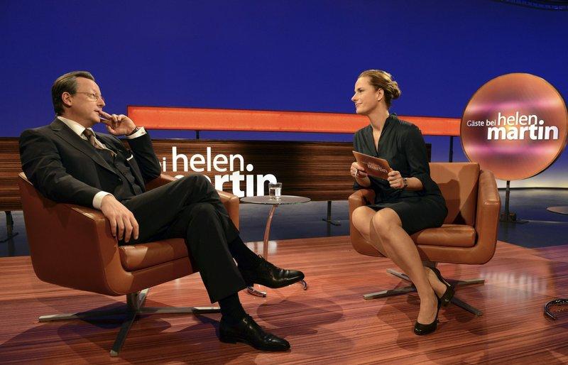 TV-Moderatorin Helen Martin (Claudia Michelsen) und Georg Sahl (Matthias Brandt). – Bild: HR/Bettina Müller