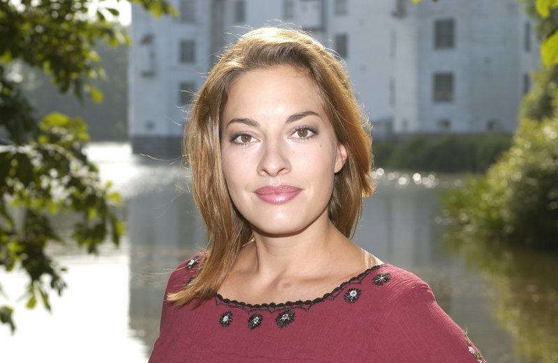 Dagmar Henlein (Julia Dahmen) in Verbindung mit der Sendung bei Nennung ZDF/Wolfgang Lehmann – Bild: Romance TV
