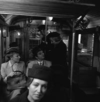 Zug fährt Wiental