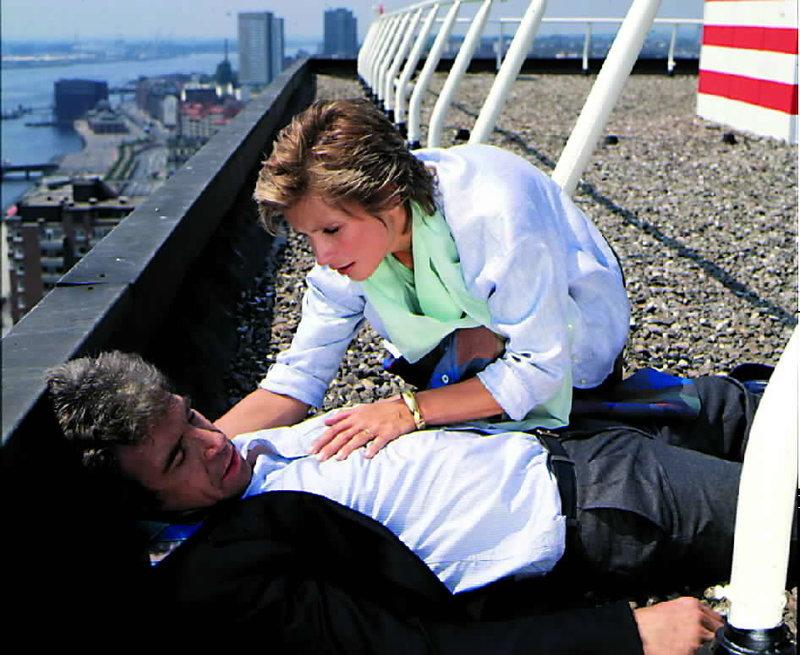 Das rote Kleid (Staffel 1, Folge 8) – Bild: ZDF