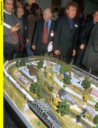 """SWR Fernsehen EISENBAHN-ROMANTIK FOLGE 399, """"Nürnberger Spielwarenmesse 2001"""", am Mittwoch (18.02.15) um 14:15 Uhr. Das wichtigste Modellbahnereignis des Jahres: Die Nürnberger Spielwarenmesse. – © SWR"""