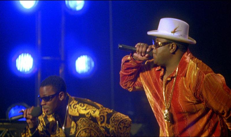 """Als """"Notorious B.I.G."""" wird Christopher Wallace (Jamal Woolard, re.) mit seinem Debutalbum """"Ready to Die"""" zum gefeierten Star der Ostküste. – Bild: RTL II"""