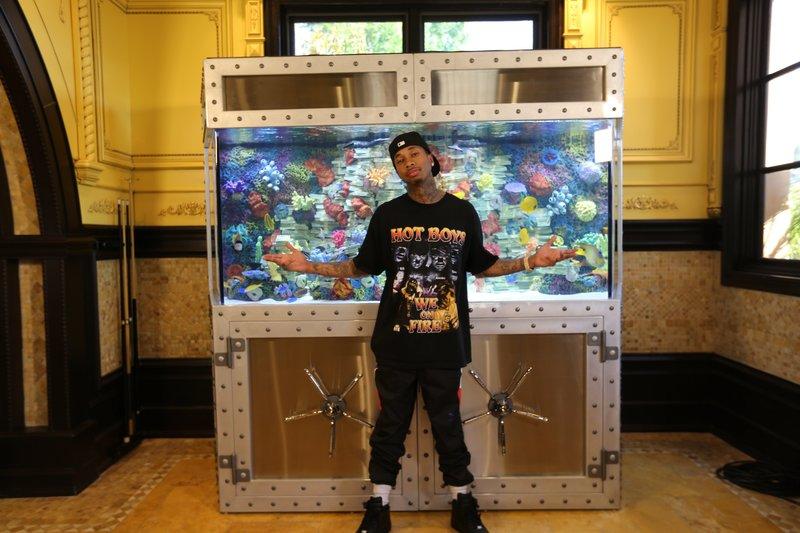 Tyga and all his racks of cash. – Bild: Animal Planet / Discovery Communications