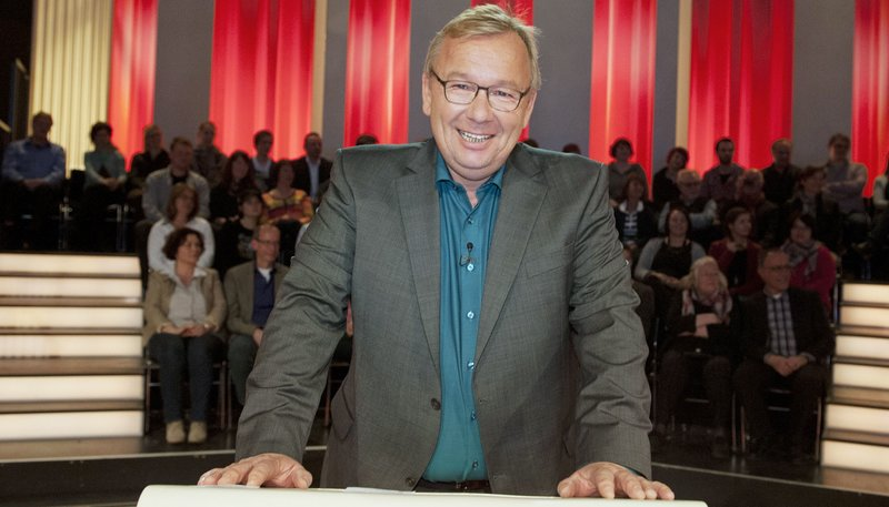 """WDR Fernsehen DAS NRW DUELL, """"Eine Spielshow mit Bernd Stelter - Heute: TV-Gesichter"""", am Mittwoch (15.10.14) um 20:15 Uhr. Moderator Bernd Stelter – Bild: WDR/Max Kohr"""