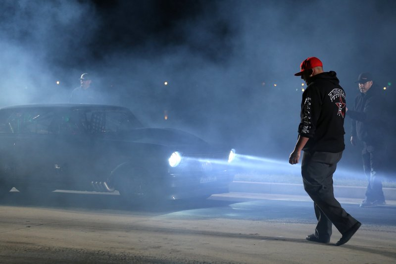 Daddy Dave performs a burnout. – Bild: Discovery Channel / Discovery Communications