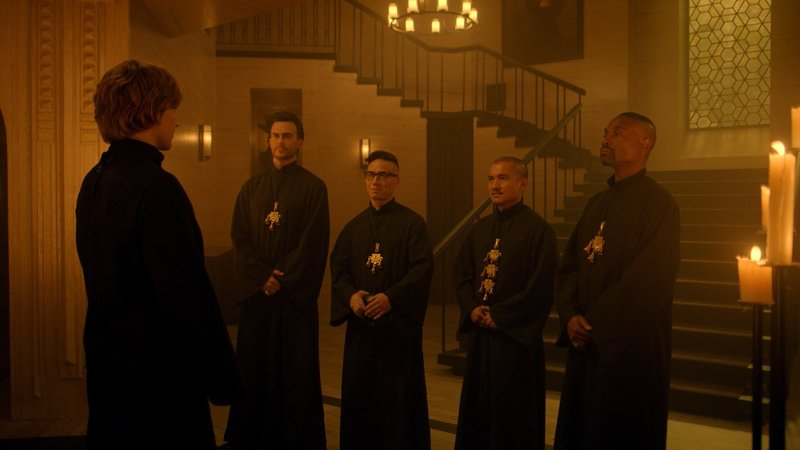 L-R: Cheyenne Jackson as John Henry Moore, BD Wong as Baldwin Pennypacker, Jon Jon Briones as Ariel Augustus and Billy Porter as Behold Chablis. – Bild: FOX