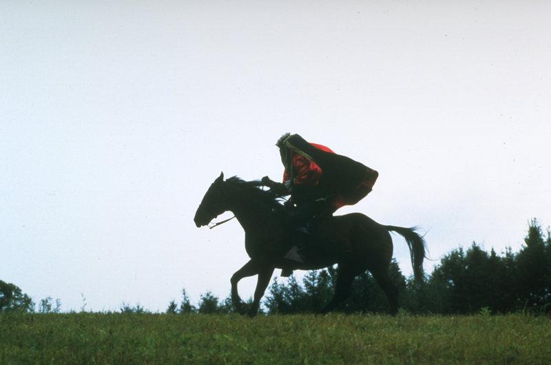 Ist Ichabod Crane (Brent Carver) ein Opfer des kopflosen Reiters geworden? – Bild: Universal