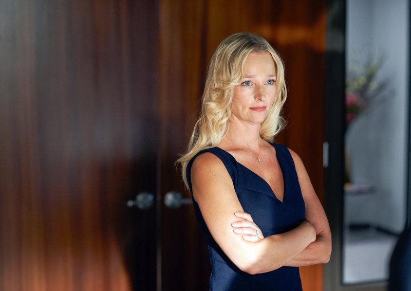 Kari Matchett (Joan Campbell). – Bild: ORF eins
