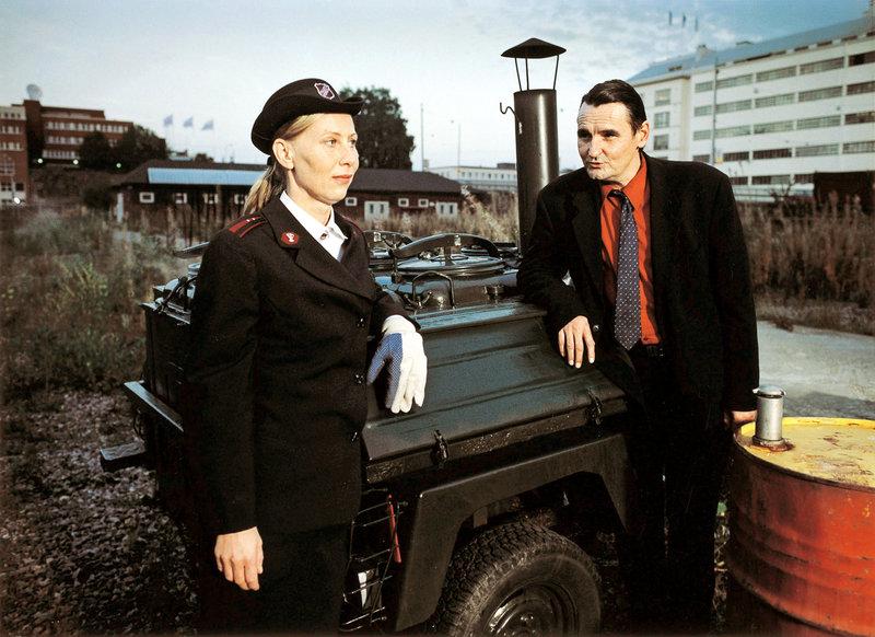M (Markku Peltola) verliebt sich in Irma (Kati Outinen) – Bild: ZDF / © Network Movie Köln
