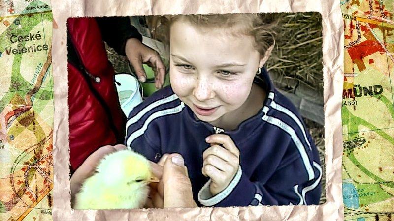 Elena mit Küken. – Bild: ORF eins
