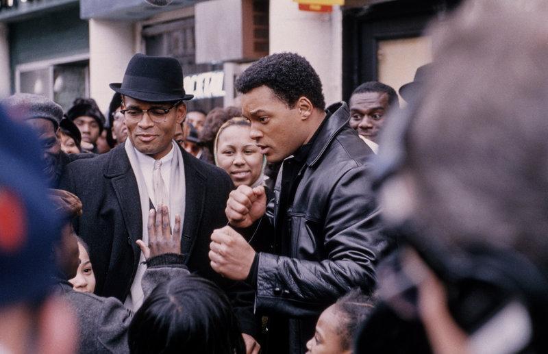 Mario Van Peebles (Malcolm X), Will Smith (Cassius Clay / Cassius X / Muhammad Ali). – Bild: ORF