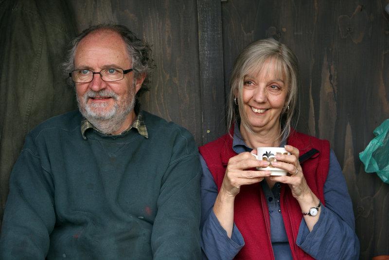Tom (Jim Broadbent) und Gerri (Ruth Sheen) sind ein eingespieltes Team. – Bild: BR/2010 PROKINO Filmverleih GmbH