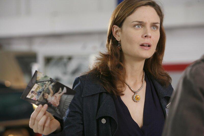 Dr. Brennan (Emily Deschanel) – Bild: 2005 FOX BROADCASTING COMPANY / Isabella Vosmikova Lizenzbild frei