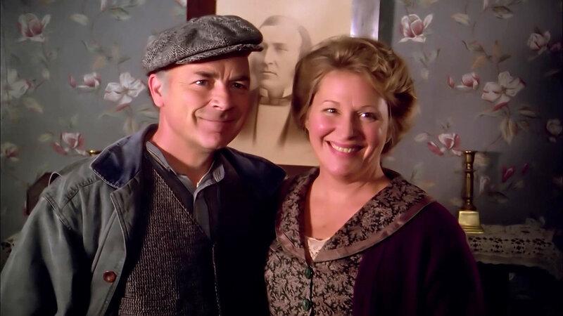 Alec King (Cedric Smith), Janet King (Lally Cadeau) (v.l.) – Bild: Bibel TV